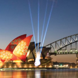 Vivid-Sydney-Festival-Makes-the-Sydney-Opera-House-and-City-Shine-in-the-Best-Light-9